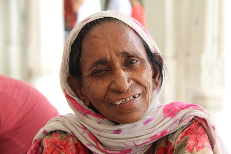 Woman, Golden Temple, Amritsar